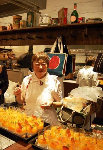 A chef Mari Hirata