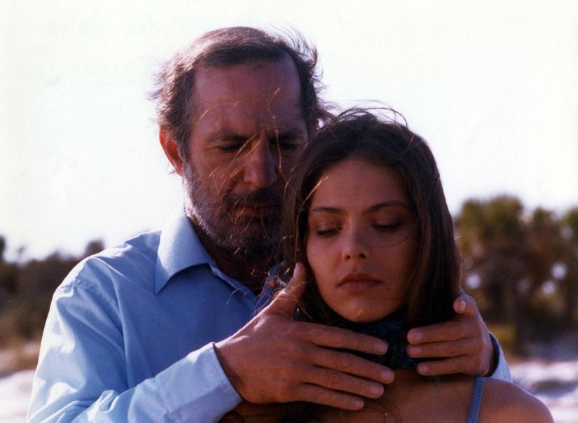 """Ben Gazzara e Ornella Muti em cena de """"Crônica de um Amor Louco"""""""