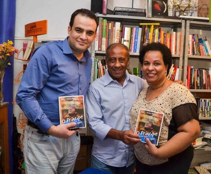 Pedro Blank (esq) e Dirceu Lopes na noite de lançamento da biografia | Foto: Luciano Andrei