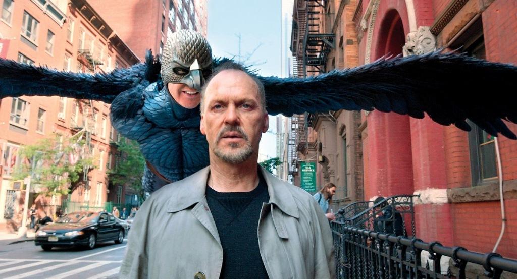 Michael Keaton em cena de Birdman