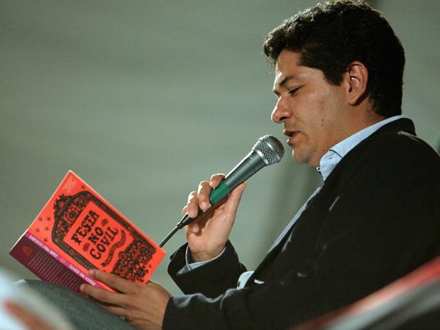 O escritor mexicano Juan Pablo Villalobos, que participará da Fli-BH