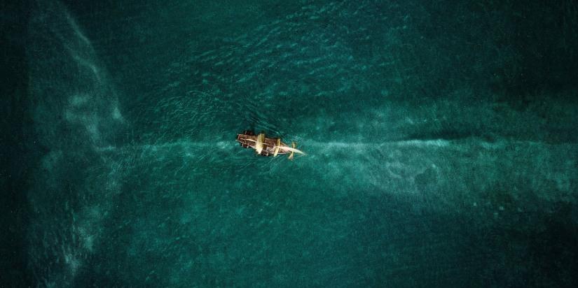 """Cena do filme """"No Coração do Mar"""""""