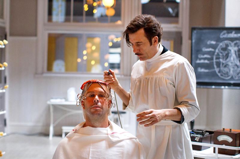 """Cena do episódio de """"The Knick"""" com a cirurgia no cérebro"""