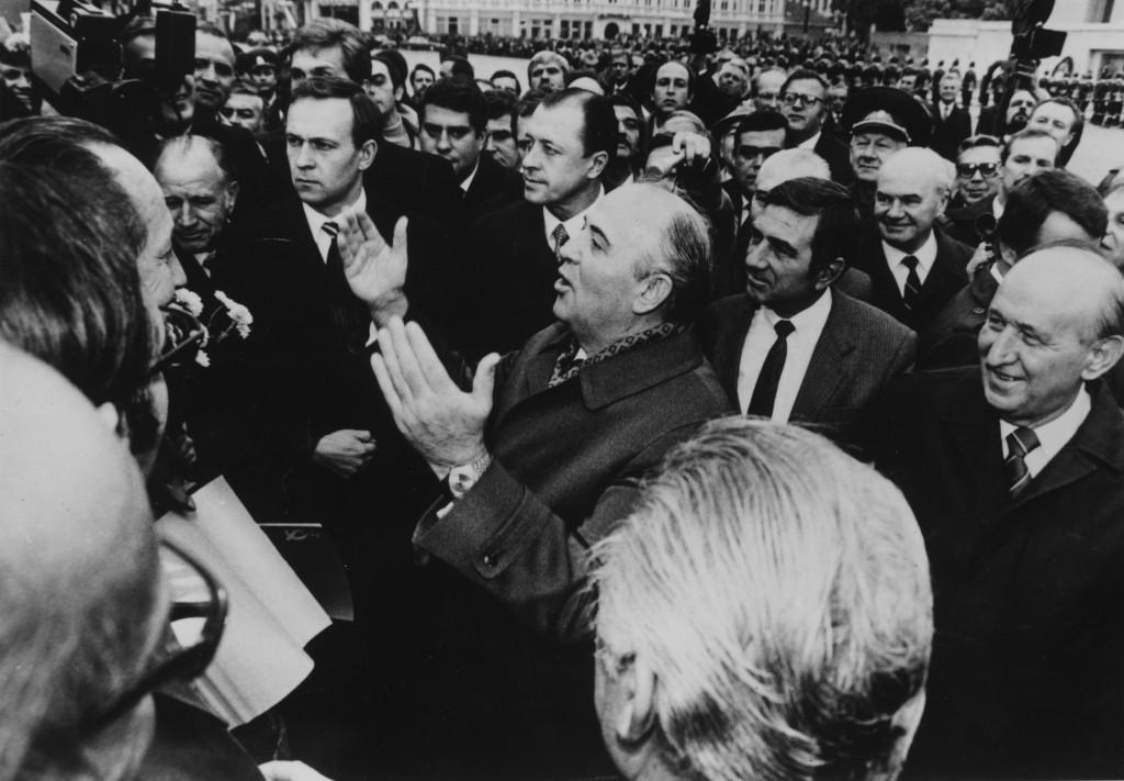 Gorbatchóv chega ao poder, em março de 1985 | Foto: Getty